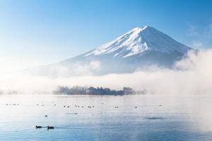 Fujisan na névoa do outono