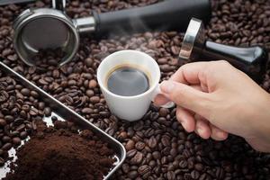 manhã fresca com café expresso fresco foto