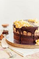 bolo de mousse de creme com chocolate