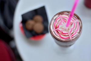 bebida de chocolate chique foto