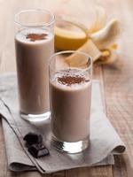 batido de chocolate e banana foto