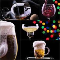 colagem de bebidas de álcool isolada em um preto foto