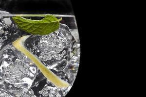 coquetel de gin tônico foto