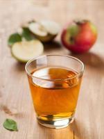 suco de maçã foto