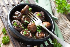 cogumelos cozidos champignon foto
