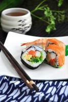 conjunto de sushi comida japonesa