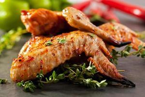 asas de frango para churrasco foto