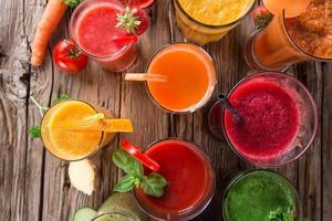 suco de frutas frescas, bebidas saudáveis.