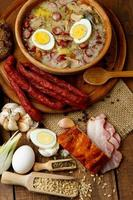 sopa de páscoa polonês tradicional zurek foto