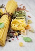 variedade de massas italianas foto