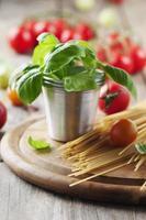 conceito de comida italiana com macarrão foto