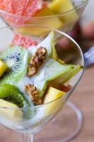 salada de frutas tropicais foto