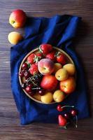 vista superior de frutas frescas no verão