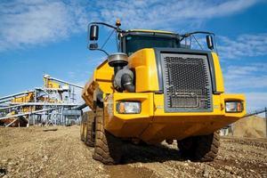 grande caminhão amarelo foto