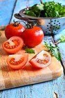 tomate e alface verde foto