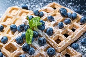 waffles caseiros com mirtilos foto