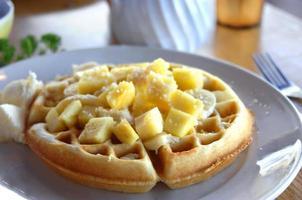 waffles belgas estilo havaiano foto