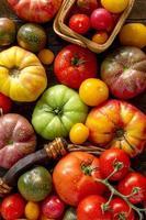 variedade de tomates frescos da herança