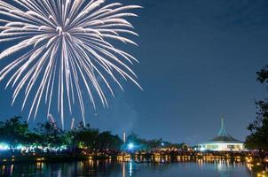 fogos de artifício em suan luang rama ix, bangkok foto