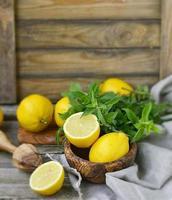 limão e hortelã foto