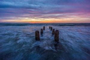 pilares do pôr do sol foto