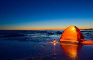 acampar no deserto foto