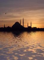 Mesquita Suleymaniye ao pôr do sol foto