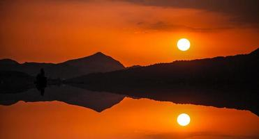 pôr do sol em bodrum. foto