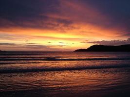 pôr do sol costeiro 007 foto