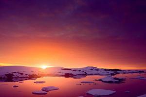 pôr do sol na Antártica