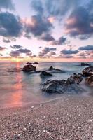 pôr do sol na grécia foto