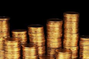 macro de pilha de dinheiro ouro