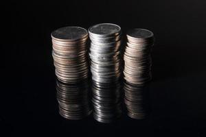 loucas pilhas de dinheiro foto