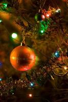 enfeites de árvore de natal foto