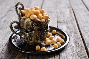 grãos de grão de bico cru