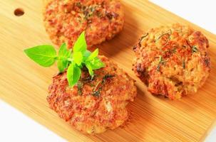 hambúrgueres de legumes fritos foto