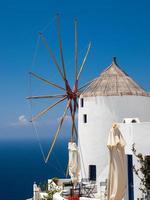 moinho de vento de santorini foto