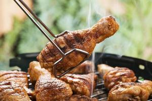 palitos de frango grelhado foto