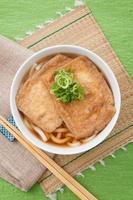 cozinha japonesa, kitsune udon foto