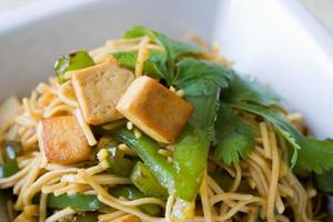 Noodles fritos foto