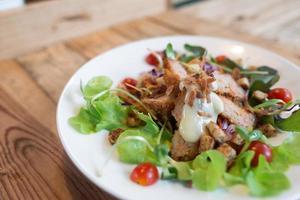 salada cremosa de camarão foto