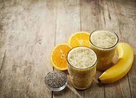 smoothie saudável com sementes de chia foto