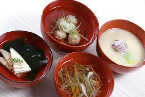 tigelas de sopa foto
