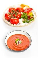 sopa de tomate fresco foto