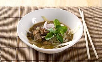 comida famosa malaia asam laksa foto