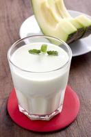bebida de leite de melão foto