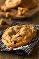biscoitos caseiros com pepitas de chocolate