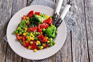 legumes coloridos cozidos foto