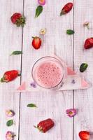 smoothie de morango delicioso fresco foto
