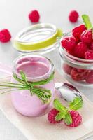 iogurte de framboesa foto